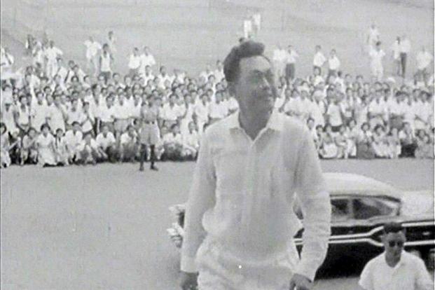 Lý Quang Diệu sau khi đảng PAP thắng cử năm 1959. (Reuters)