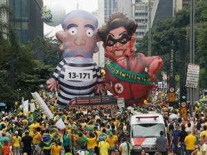 Biểu tình ở Sao Paulo ngày 13-3 đòi luận tội Rousseff và bỏ tù Lula. (Ảnh: Andre Penner / AP)